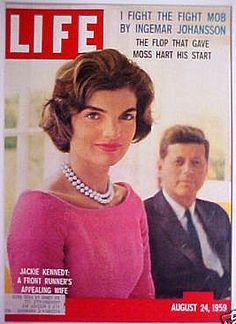Magazine photos featuring Life Magazine [United States] August on the cover. Life Magazine [United States] August magazine cover photos, back issues and newstand editions. Jackie Kennedy, Os Kennedy, Jaqueline Kennedy, Life Magazine, Magazine Art, Gordon Parks, Liz Smith, Magazin Covers, Life Cover