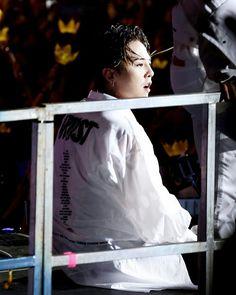 "160820 """" @xxxibgdrgn """" BIG BANG  concert 0 TO 10 in Seoul  bigbang10th anniversary ©® on pic  #GD #GDragon #BIGBANG  #KWONJIYONG  #jiyong #지드래곤 #지용 #vip #seungri #Taeyang #choiseunghyun  #kpop #daesung  #bigbangvip #권지용 #topi  #kangdeasung #seungriseyo #빅뱅  #gtop  #dlite  #sol #vi #xxxibgdrgn  #yb #gdyb #bigbanggd #singer #song #songwriter"