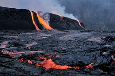 "Overflow of Nyiragongo lava lake - photo of O.Grunewald / doc.  ""Journey to the Center of the World""."