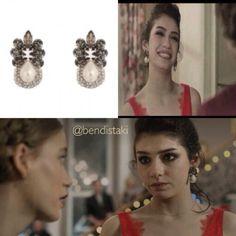 Eylül'ün yılbaşı kombini süper olmuş Bendis küpelerini beğendinizmi? #medcezir #bendistaki Lidyana'da bulabilirsiniz! #eylülmert #earring #bendis