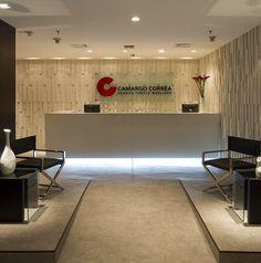 Projeto corporativo Camargo Corrêa - Camila Klein Arquitetura e Interiores.