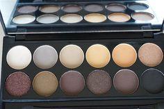 50 Looks of LoveT.: Lidschattenpalette mit schönen Farben-von Nude bis... Make Up Tutorials, Eyeshadow, Beauty, Blog, Old Women, Make Up Eyes, Nursing Care, Colors, Nice Asses