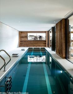 House Decoration This grand chalet will leave you speechless! House Decoration This grand chalet wil Luxury Swimming Pools, Luxury Pools, Indoor Swimming Pools, Swimming Pool Designs, Chalet Design, House Design, Small Indoor Pool, Beautiful Pools, Home Spa