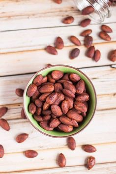 Tamari Almonds: a crispy, salty snack that is so good for you. Can be dehydrated or roasted if you prefer. And includes tips to activate your own nuts. Recipes With Soy Sauce, New Recipes, Real Food Recipes, Vegan Recipes, Spicy Almonds, Salty Snacks, Oven Roast, Vegane Rezepte