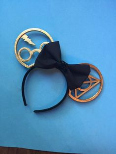 Shop Etsy, the place to express your creativity through the buying and selling of handmade and vintage goods. Diy Disney Ears, Disney Mickey Ears, Mickey Mouse Ears, Disney Diy, Disney Crafts, Disney Stuff, Harry Potter Disney, Cosplay Harry Potter, Objet Harry Potter