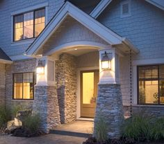 Residential Exterior Columns: Fog SOUTHERN LEDGESTONE - Cultured Stone® Brand_Manufactured Stone Veneer