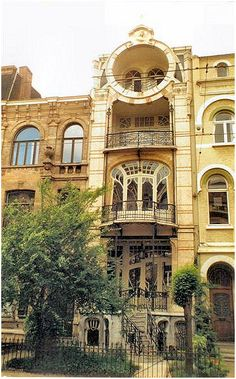 ART NOUVEAU ANTWERP- wonderful doors and windows- built to copy a house on Maison Saint- Cyr, Brussels. This house looks so much like the one in Brussels