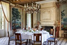 This 1608 Hôtel Particulier Was Reinvented as a Family Home for Entrepreneur Chris Burch - Architectural Digest Pierre Frey, French Country House, French Country Decorating, Country Homes, Country Style, Architectural Digest, Antique Wallpaper, French Chandelier, Rustic Chair