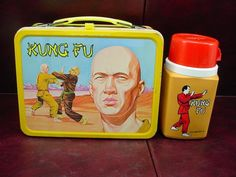 1974 king Seeley thermos kung fu metal lunchbox with matching thermos complete. This lunchbox depicts David Carradine as the main character in the TV series. INCLUDES: METAL LUNCH BOX, PLASTIC THERMOS WITH SIPPER CAP & CUP. | eBay!
