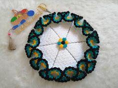 Ana Sayfa - YouTube Crochet Feather, Crochet Art, Irish Crochet, Crochet Doilies, Crochet Flowers, Crochet Edging Patterns, Easy Knitting Patterns, Weaving Patterns, Crochet Designs