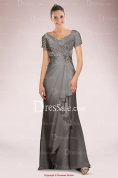 Elegant Chiffon A-line Mother of Bride Dress Adorned with Beaded Details and Exquisite Pleats