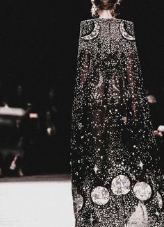 whore-for-couture: bvlgaria: Alexander McQueen F/W...