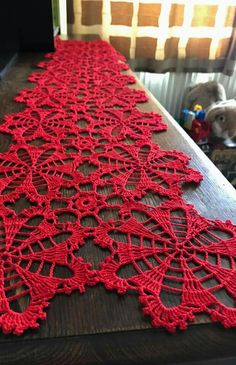 Beautiful brand new large flowers white crochet table runner. Made from a very thin mercerized cotton thread size Will - Salvabrani Cotton Crochet, Thread Crochet, Filet Crochet, Crochet Motif, Crochet Doilies, Crochet Stitches, Crochet Flower Patterns, Doily Patterns, Crochet Designs