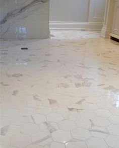 Top 60 Best Bathroom Floor Design Ideas - Luxury Tile Flooring Inspiration Best Bathroom Flooring, Marble Tile Bathroom, Bathroom Floor Tiles, Tile Flooring, Marble Tiles, Floors, Small Bathroom Renovations, Big Bathrooms, Amazing Bathrooms