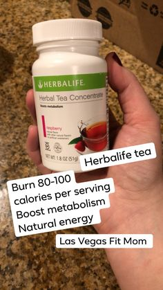 This post contains affiliate links as I am a distributor with Herbalife. Its weight loss resolution time again! We all want to lose weight in the New Year right? Herbalife Nutrition Facts, Herbalife Tips, Herbalife Meal Plan, Herbalife Motivation, Herbalife Shake Recipes, Nutrition Shakes, Herbalife Flavors, Herbalife Products, Tea Concentrate Recipe