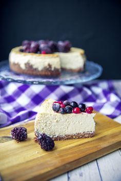 Najpelší FIT Cheesecake   We Lift Together Healthy Deserts, Healthy Sweets, Healthy Dessert Recipes, Healthy Baking, Desserts, Healthy Cheesecake, Food Goals, Sweet Recipes, Stevia