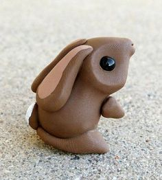 My daughter would love this; Tiny Bunny - Handmade Miniature Polymer Clay Animal Figure by Animaltoclay on Etsy Sculpey Clay, Polymer Clay Figures, Polymer Clay Animals, Polymer Clay Miniatures, Polymer Clay Projects, Polymer Clay Charms, Polymer Clay Creations, Polymer Clay Art, Clay Crafts
