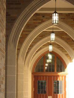 Law School arch, (Adam McIntosh/Flickr)