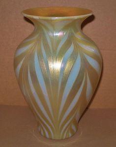 AWE Inspiring LUSTROUS Opalescent LUNDBERG STUDIOS Glass VASE Iridescent LARGE