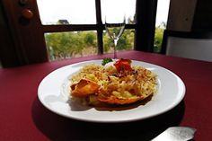 Leia aqui Lagosta grelhada ao molho de laranja com risoto pesto. No Bom Gourmet você encontra receitas, os ingredientes que vão na receita, o tempo de preparo e muito mais. Acesse!