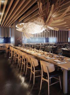Izakaya Bar Restaurant at VWArtclub Bar Restaurant, Restaurant Lighting, Modern Restaurant, Japanese Restaurant Interior, Japanese Interior, Japanese Bar, Japanese Kitchen, Design Café, Bar Seating