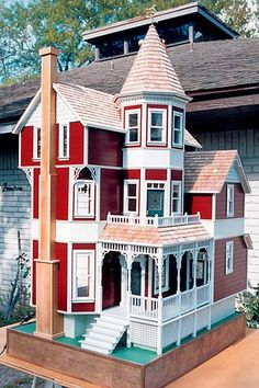 The Dollhouses, double click to see another house by this amazing artisan!!!