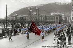 Desfile de las MAOC (Milicias Antifascistas Obreras y Campesinas) en #Donostia-#SanSebastián el 1 de Mayo de 1936. Anarchism, Thing 1, Puerto Rico, Spanish, Street View, War, May 1, Historia, Fotografia