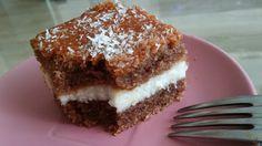 O tomto koláči mi hovorila moja kaderníčka Zlatka, keďže ma zaujal, vypýtala som si recept a túto nedeľu som koláčik aj upiekla. Jedol ho dokonca aj môj syn, ktorý sladké vôbec nejedáva. Že je v plnke krupica nepoznal ani on.
