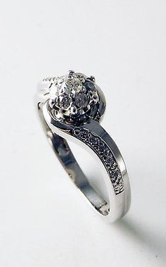 9ct White Gold Diamond halo Cluster twist vintage style Ring 0.25ct size N