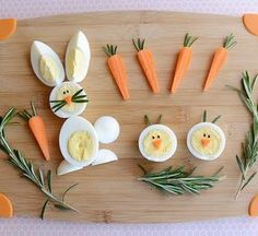 Easter is tomorrow! We were busy dying our Easter eggs yesterday, and now today, we'll make some breakfast out of those eggs. Visit CBC Parents to find out how easy it is to make these adorable egg b (easy easter recipes) Easter Recipes, Baby Food Recipes, Top Recipes, Dessert Recipes, Cute Food, Good Food, Funny Food, Food Art For Kids, After School Snacks