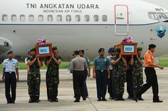 Crash of AirAsia Flight 8501 Spotlights Indonesia's Poor Air Safety Record - NYTimes.com