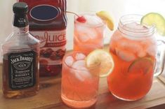 Mixed Drinks With Jack Daniel's and Cranberry Juice | LEAFtv Jack Daniels Mixed Drinks, Whiskey Mixed Drinks, Jack Daniels Cocktails, Easy Mixed Drinks, Jack Daniels Honey Recipes, Bourbon Drinks, Whiskey Cocktails, Scotch Whiskey, Irish Whiskey