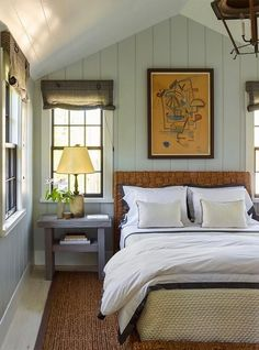 modern country cottage style bedroom, woven look bed and blinds, sisal rug, by Steven Gambrel, guest cottage at Sag Harbor Victorian house decorated c. Beach Cottage Style, Beach Cottage Decor, Beach Cottage Bedrooms, Modern Cottage Decor, Country Cottage Bedroom, Country Cottage Interiors, Lake Cottage, House Interiors, Home Decor Bedroom