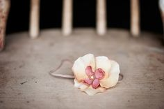 NEW Vintage-inspired cream and pink flower headband