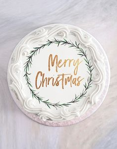 This Christmas cake is an exquisite treat that will make the perfect Christmas gift for anyone! A gift that is festive, beautiful, and delicious is hard to beat! Christmas Gifts For Girlfriend, Christmas Gifts For Friends, Christmas Mom, Christmas Gifts For Mom, Christmas Shopping, Mom Cake, Incredible Gifts, Cake Online, Festive