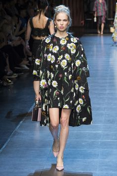 Dolce &Gabbana | Vogue #nyfw the shoes pull it all together!