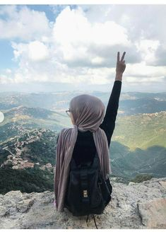 Hijab Style Dress, Casual Hijab Outfit, Hijab Chic, Best Poses For Pictures, Girly Pictures, Modern Hijab Fashion, Arab Fashion, Hijabi Girl, Girl Hijab