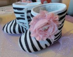 Girls shoes and acessories: These shoes are so freaking adorable! <3 i love zebra print and the big flowers on the sides :)