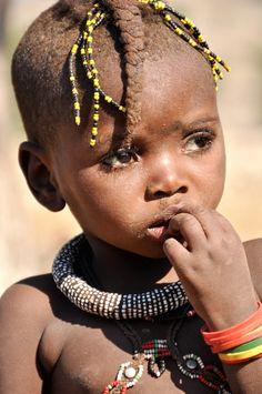 Himba girl rnrnSource by ingevantriest Precious Children, Beautiful Children, Beautiful Babies, Beautiful People, Kids Around The World, We Are The World, People Around The World, Himba Girl, Himba People