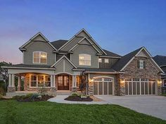 Plan Exclusive Craftsman House Plan With Amazing Great Room 2019 If I were to win the lottery this would be my home on the lake with a huge lawn! The post Plan Exclusive Craftsman House Plan With Amazing Great Room 2019 appeared first on House ideas. Dream House Exterior, Dream House Plans, House Floor Plans, My Dream Home, Dream Houses, Huge Houses, Big Houses Exterior, 2 Story Houses, House Exteriors