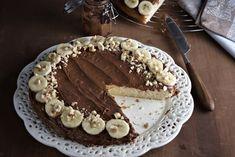 Εύκολη και γρήγορη τούρτα που δεν της λείπει τίποτα, παρά μόνο η γλουτένη! Το μυστικό είναι να φτιάξετε το παντεσπάνι με μείγμα Ζαχαροπλαστικής Χωρίς Γλουτένη των Μύλων Αγίου Γεωργίου.