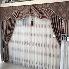 Trendy Living Room Modern Classic Window Treatments Ideas in 2019 Classic Curtains, Elegant Curtains, Beautiful Curtains, Colorful Curtains, Classic Bedding, Bedroom Classic, Living Room Decor Curtains, Home Curtains, Curtains With Blinds