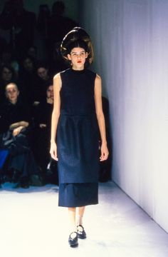 Comme des Garçons Spring 1999 Ready-to-Wear Fashion Show Collection
