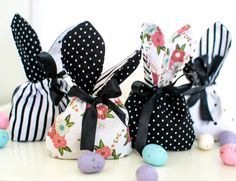 Free Bunny Treat Bags pattern #iloverileyblake #FabricIsMyFun