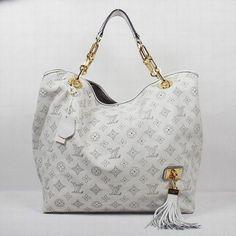 73a162c221 Cream Louis Vuitton Bag #Louisvuittonhandbags