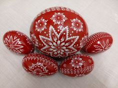 Diy Craft Projects, Diy Crafts, Egg Art, Line Design, Painted Rocks, Easter Eggs, Painting, Patterns, Wood