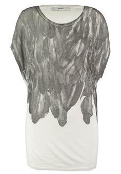 Tops & T-shirts Diesel SERRA - T-shirt imprimé - 129 blanc cassé: 59,95 € chez Zalando (au 19/12/15). Livraison et retours gratuits et service client gratuit au 0800 490 80.