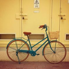 Here is a tale of a dangerously gorgeous teal. This beauty will mesmerize you with her intensity and matte finish. We couldn't stop staring . #vintagebicycle #mydubai #love #abudhabi #reemisland #team #matte #color #shade #finish #bicycle #bike #cycling #upcycle #upcycling #health #wellness #active #lifestyle #dangerous #vscocam #vintage #bike #uae #live #pedal #charicycles