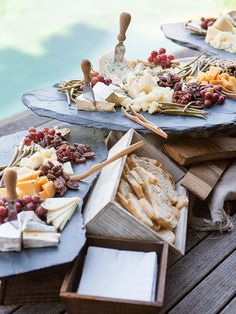 Wedding Food Charcuterie station for a wedding reception food bar - Treat guests to one of these awesome food stations. Outdoor Wedding Foods, Diy Wedding Food, Brunch Wedding, Wedding Catering, Wedding Menu, Wedding Buffet Food, Wedding Snacks, Party Buffet, Wedding Buffets