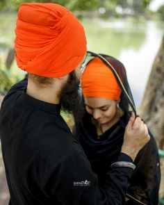 Deep 😊 Cute Couple Images, Couples Images, Couple Pictures, Cute Couples, Sweet Couples, Sri Guru Granth Sahib, Punjabi Couple, Swag Boys, Sikh Wedding